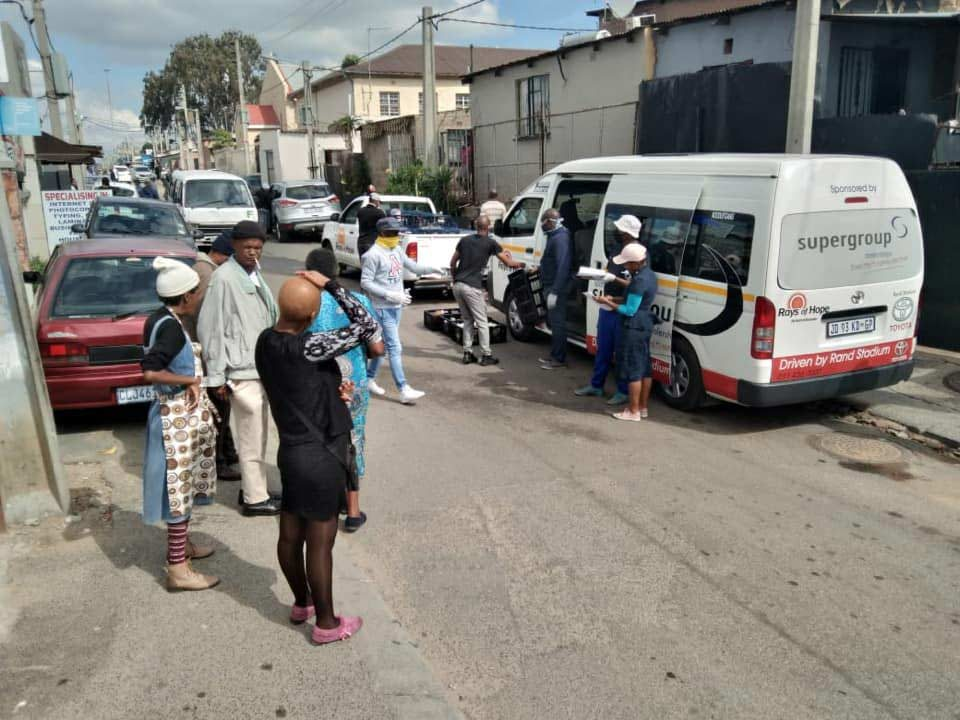South-Africans-Helping5